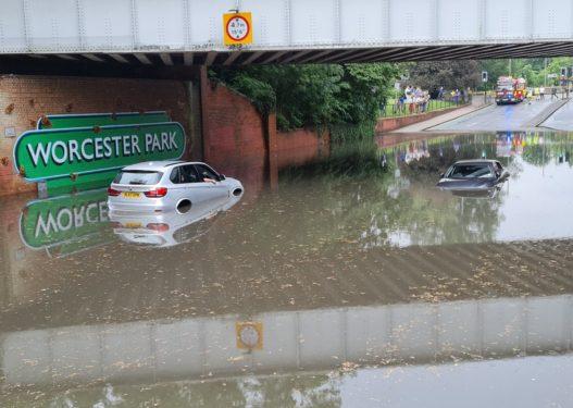 Ç'po ndodh në Europë?! Pas Gjermanisë dhe Belgjikës përmbytjet 'pushtojnë' Londrën