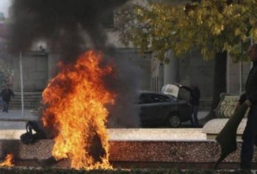 Vetëdigjet me benzinë 30-vjeçarja, transportohet me urgjencë drejt Tiranës