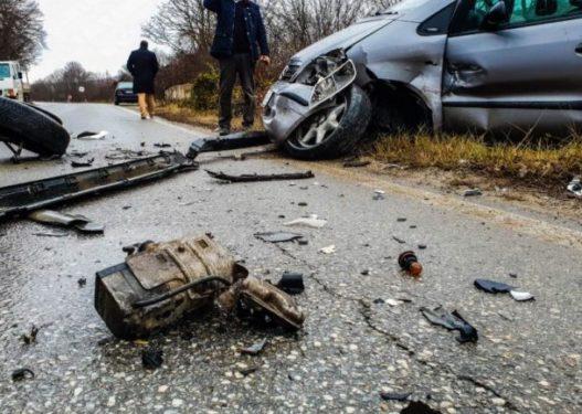 Aksident tragjik në Prrenjas/ Automjeti përplas për vdekje një këmbësore