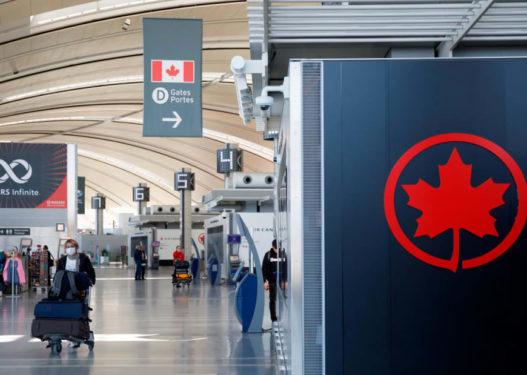 Mashtruan me testet për vaksinimin, Kanadaja gjobit me nga 20 mijë dollarë dy udhëtarë
