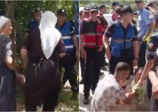 Përplasje mes banorëve të Baldushkut dhe policisë për pallatet e reja, një gruaje i bie të fikët