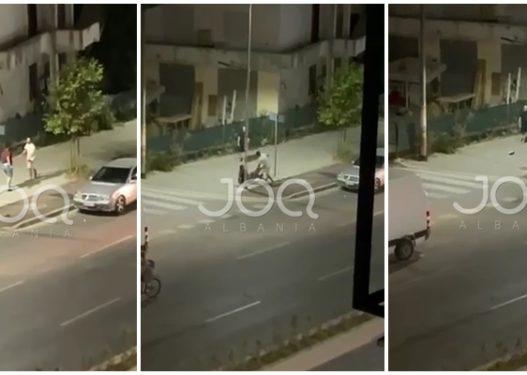 Sherr i frikshëm në Tiranë! Shkelma, grushta dhe gurë kokës mes dy të rinjve