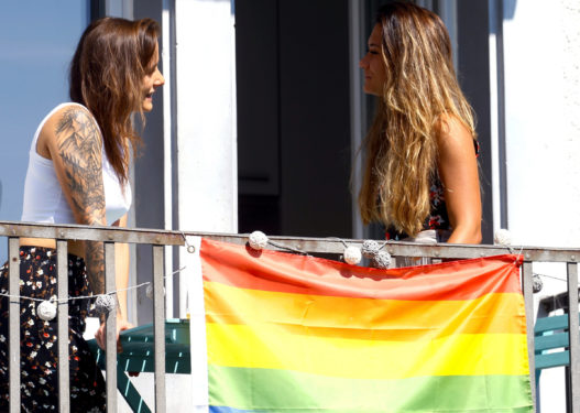 Zvicra hedh në referendum martesat mes të njëjtës gjini