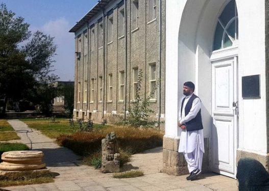 """Zhduket thesari miliona dollarësh në Afganistan, dyshohet të jetë """"vjedhur"""" nga talebanët"""