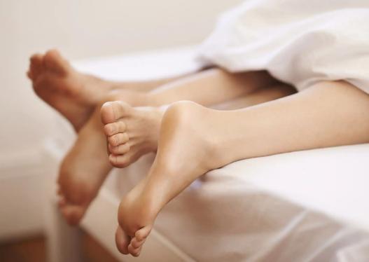 Cilat janë gabimet më të mëdha që çiftet bëjnë në shtrat?