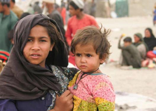E trishtë në Kabul! Tetë fëmijë jetimë vdesin nga uria, prindërit iu vranë nga talebanët