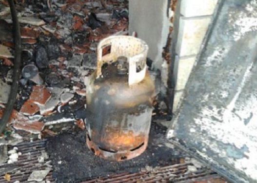Shpërthen bombola e gazit në Gjirokastër, përfshihet nga flakët punishtja e drurit