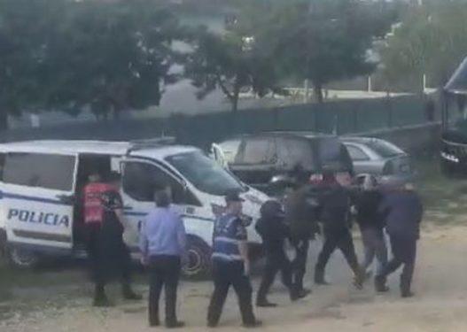 Çudira Shqiptare! Sulmuesi arrestohet gjatë ndeshjes së futbollit në Kuçovë