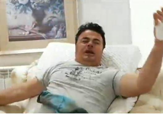 10 veta i vjedhin 100.000 € biznesmenit në Nikël/ Grabitësit i presin gishtin me gërshërë! Njëri i veshur si polic