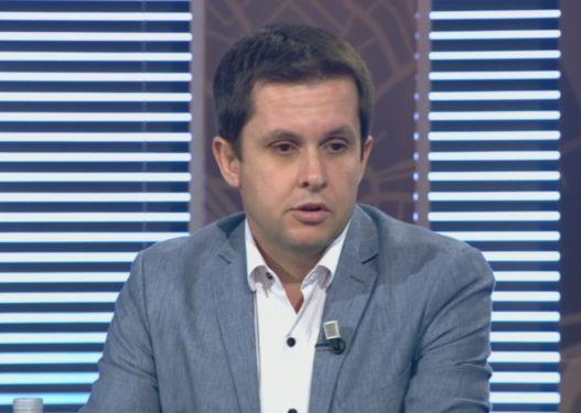 Mjeku Ilir Alimehmeti: Jo vaksinim me detyrim, asnjë vaksinë nuk ka siguri të plotë