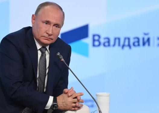 Putin kritikon Perëndimin: Është krim monstruoz t'u mësosh fëmijëve se mund të ndryshojnë gjininë