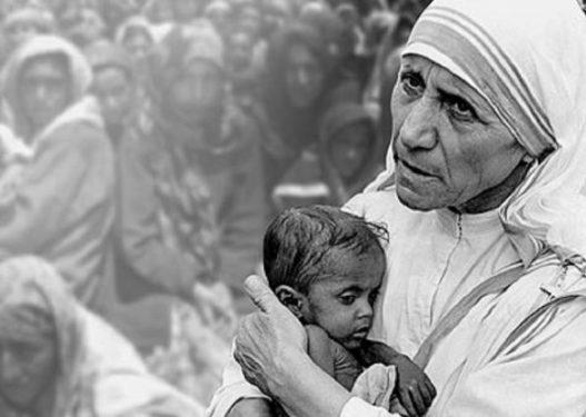 Sot 18 vite nga lumturimi i Nënë Terezës, humanistja shqiptare që fitoi çmimin 'Nobel' për Paqen